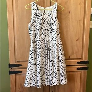 Sleeveless, white w/ black polka dot dress Size L